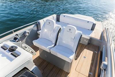 Aboard-Invictus-280GT-yacht-tender-665x443_web2